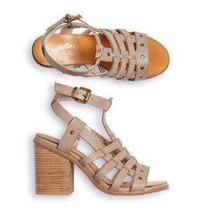 SEYCHELLES Scout it Out Leather Stud Heels 6.5 NEW